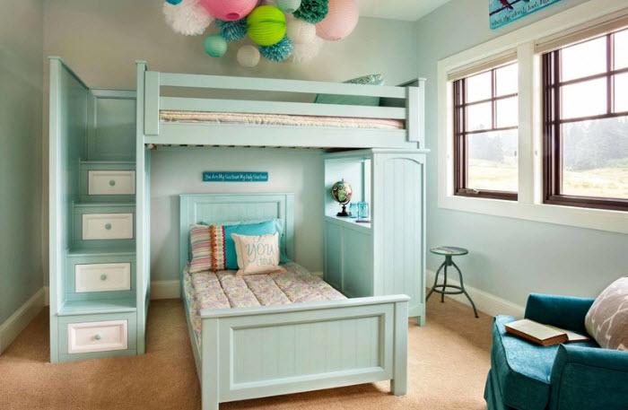 Кровать-чердак с постелью на втором уровне