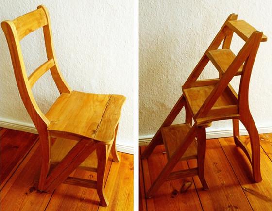 Более того, когда стул трансформируется в лестницу, его спинка обязана располагаться под прямым углом к поверхности