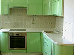 Кухонный гарнитур в зеленом цвете