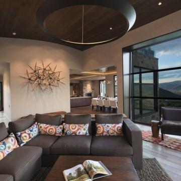 темно каричневый диван в интерьере