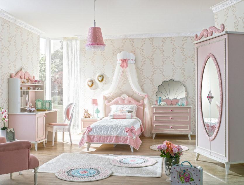 Потолок в стиле прованс в детской