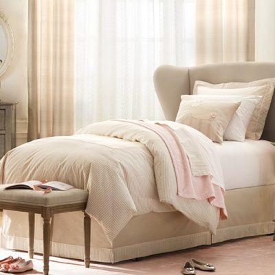 Мягкая кровать в детской в стиле прованс