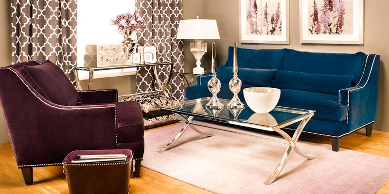 синий диван, фиолетовое кресло