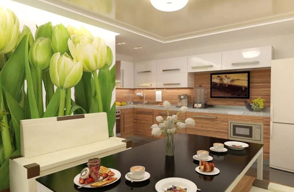 Огромные тюльпаны на стене кухни