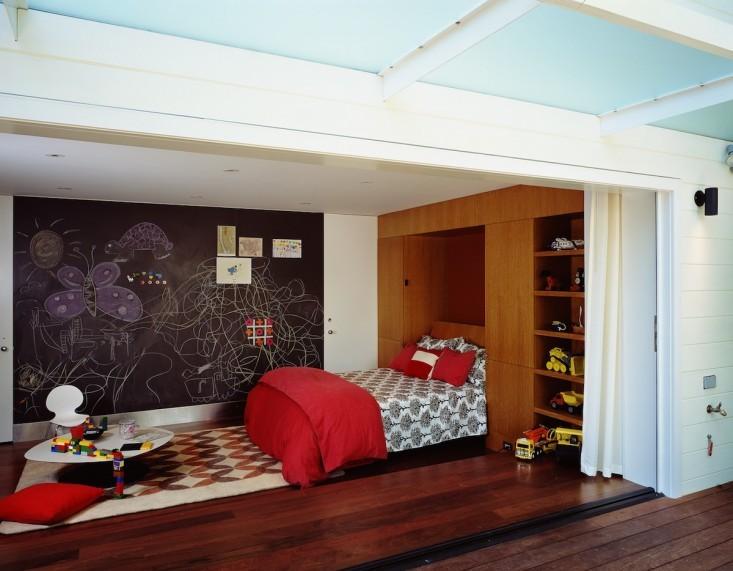 Спальня в гараже