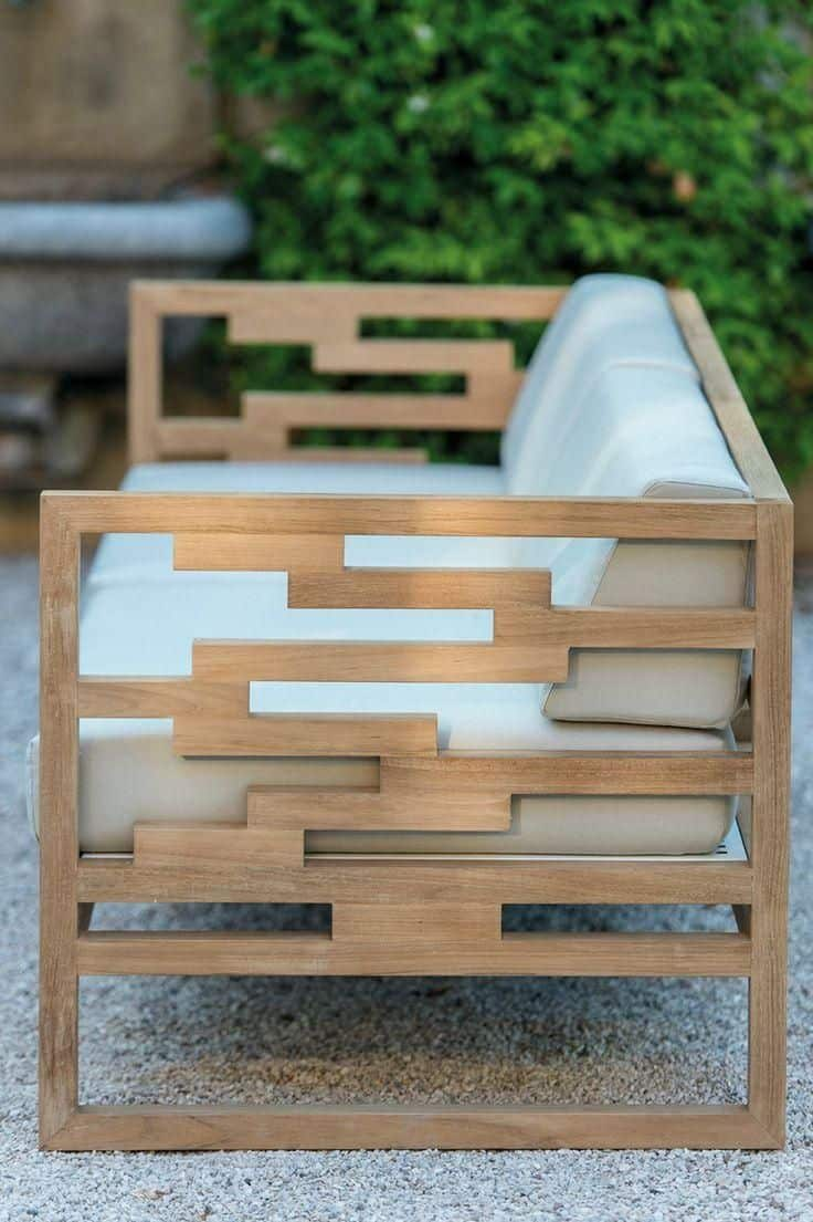 Облегчённая конструкция мебели создаст ощущение её невесомости