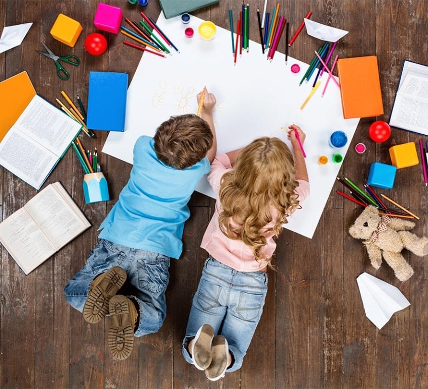 Позвольте вашим малышам также принять участие в оформлении их будущей комнаты. Их мнение хоть и не должно быть решающим, но все же прислушаться к нему обязательно стоит