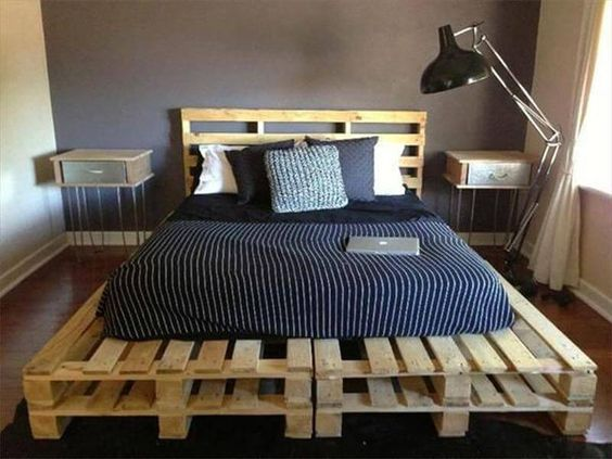 стильная кровать из паллет своими руками