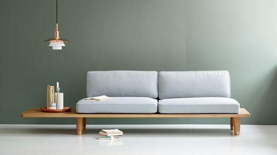 светлый функциональный диван