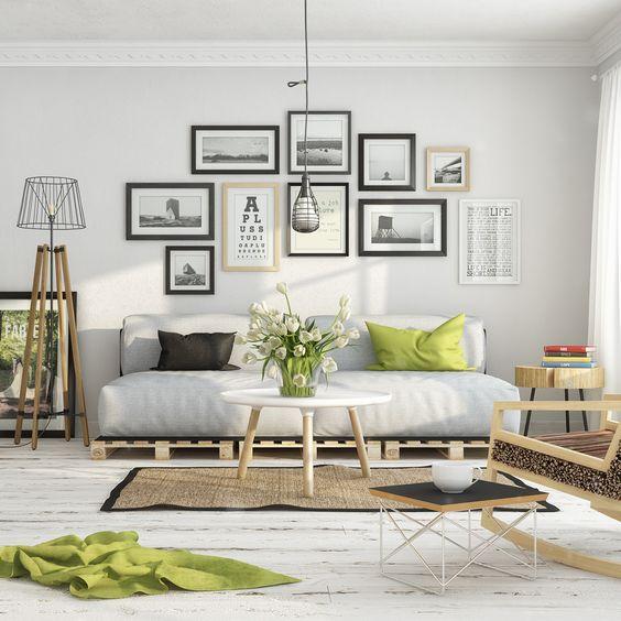 классическая гостиная с диваном на евро поддонах