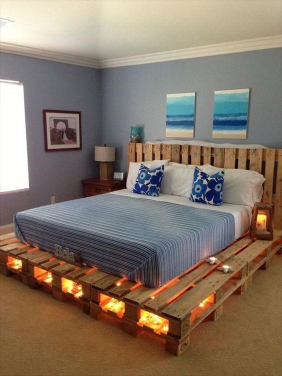 кровать на поддонах смотрится очень современно