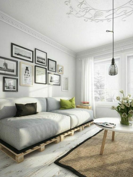 светлая гостиная с мебелью в индустриальном стиле