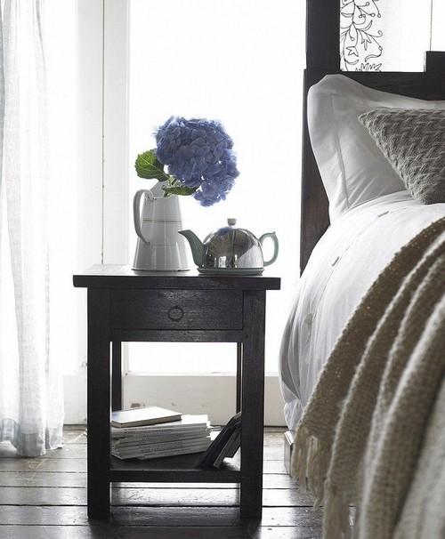 Тумба прикроватная деревянная для спальни