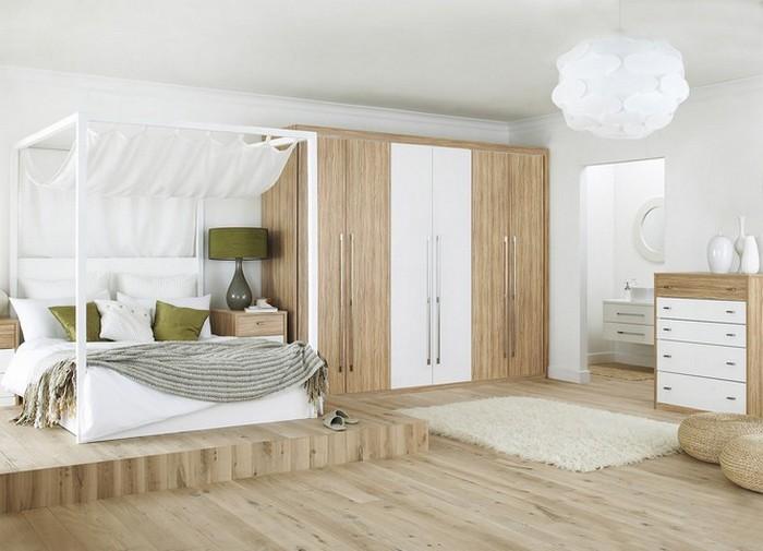 Кровать с балдахином на подиуме