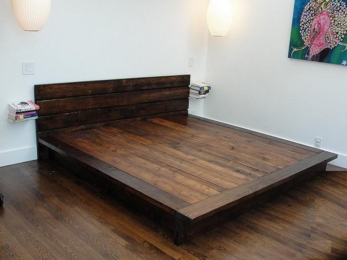 Кровать для спальни из натурального массива дерева
