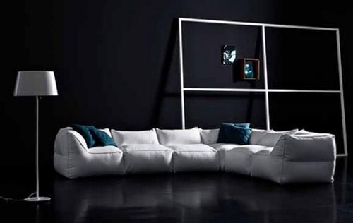 Бескаркасный диван производства Pianca