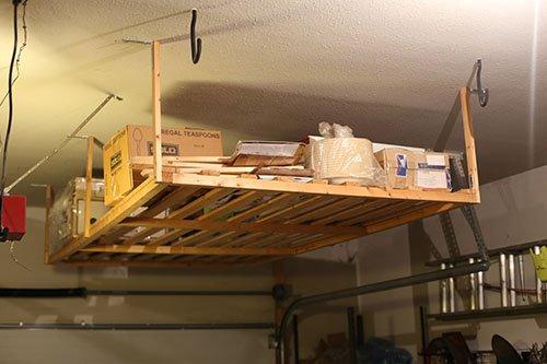 Подвесной стеллаж под потолком