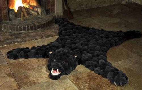 Оригинальные ковры из помпонов фото