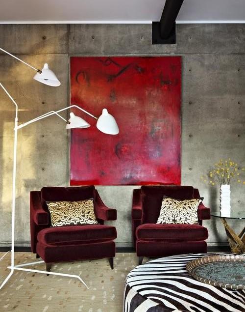 Бордовая мебель и панно в интерьере