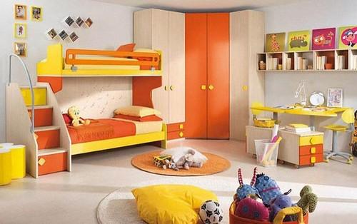 Двухъярусная кровать с бортиком