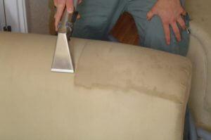 Чистка мебели после ремонта — щепетильный процесс, требующий особого внимания