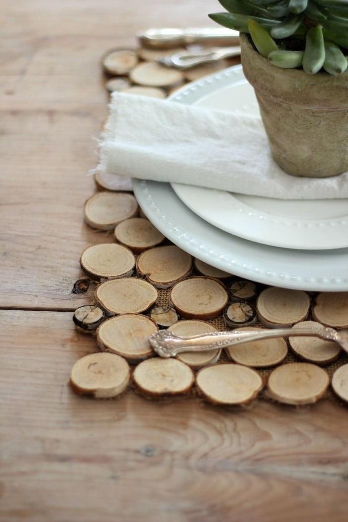 Подставка из древесных спилов