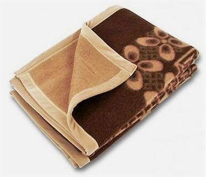Свернутое верблюжье одеяло
