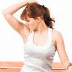 Чем отстирать запах пота с одежды: народные рецепты