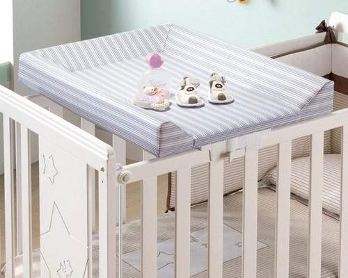 Доска для пеленания на детскую кроватку