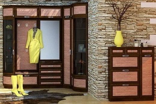 Размещение одежды угловом шкафу, интерьерное решение