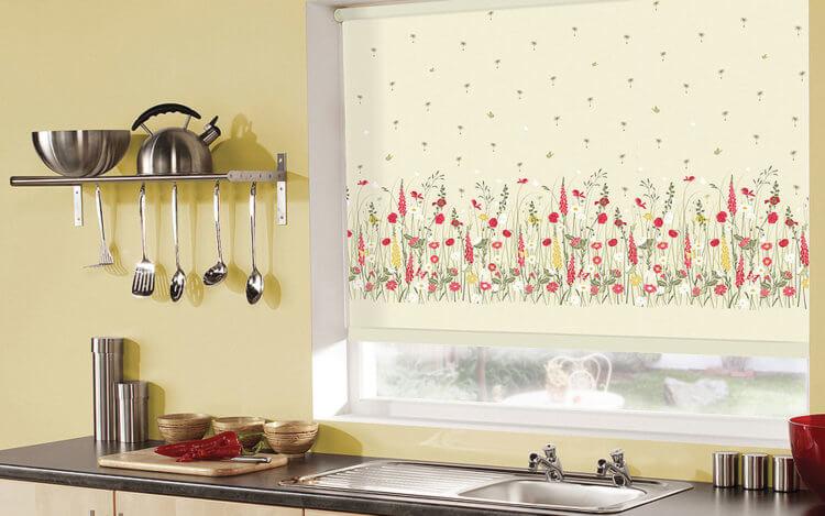 рулонные шторы на кухню9