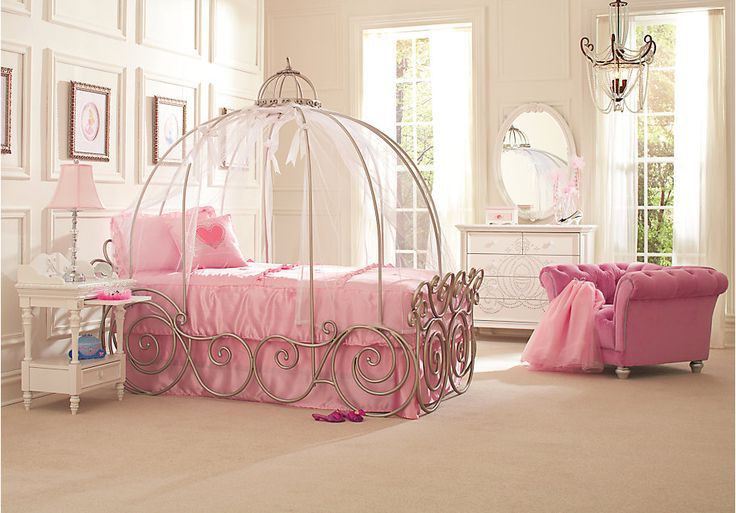 Стильная кованая кроватка с оригинальным балдахином в виде купола