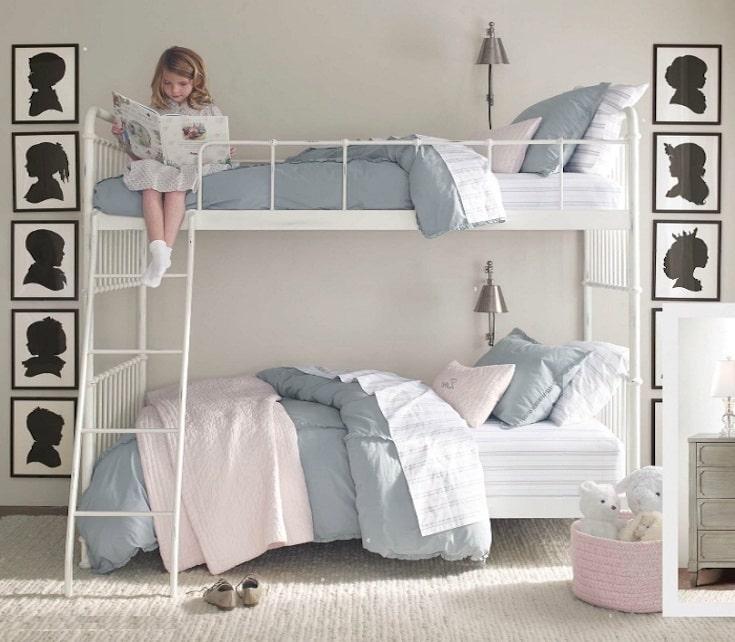 Красивая и удобная спальня для двух малышек