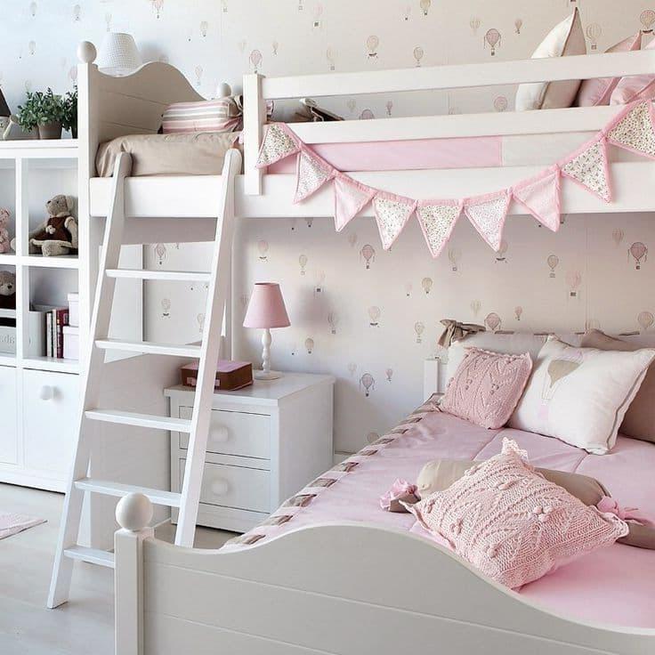 Лестница на второй ярус кроватки должна быть не только красивой, но и удобной