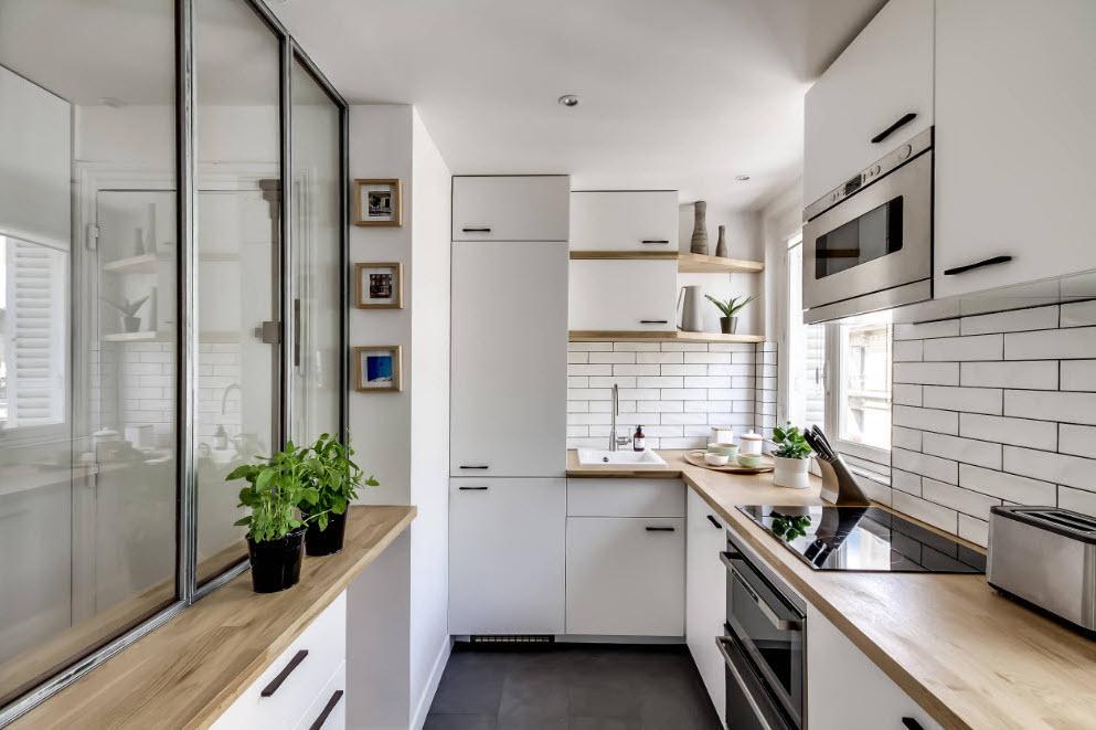 Кухонное оборудование и мебель