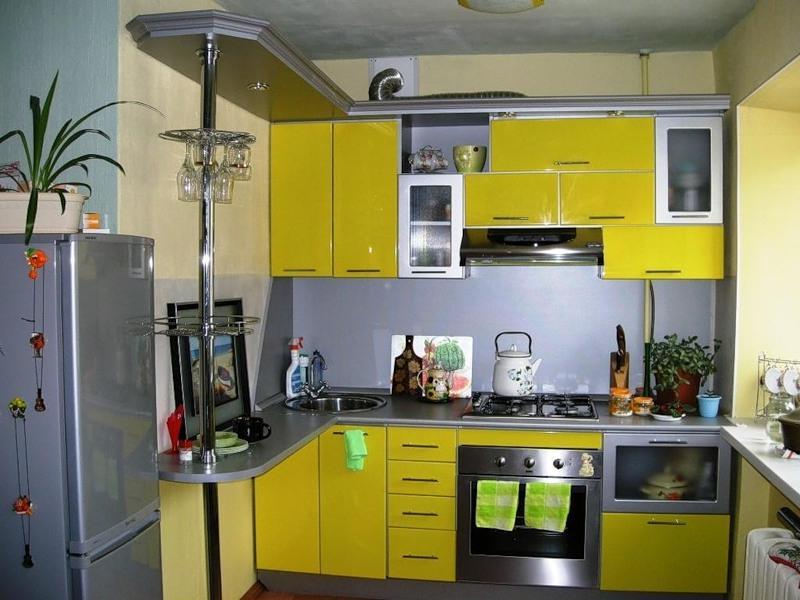 Маленькая страна: как правильно подобрать гарнитур для небольшой кухни