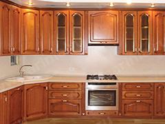 Кухонный гарнитур цвета дерева
