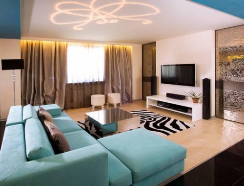 яркие акценты в оформлении гостиной комнаты в современном стиле