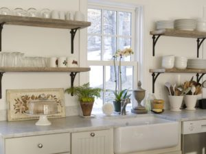 полки в кухню в стиле модерн