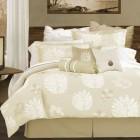 как красиво заправить кровать покрывалом
