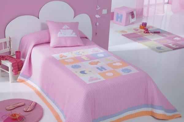 Покрывало на детскую кровать для девочки