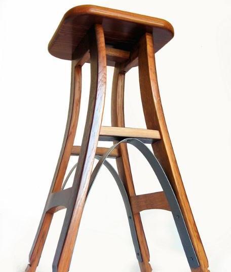 Барный стул готов