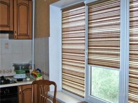 3-rulonnyie-shtoryi-fabrika-okon-otkryityie-okna.jpg
