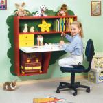 Письменные столы для школьников — эстетика и практичность