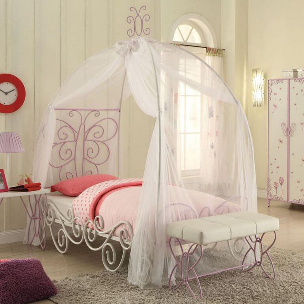 Кровать с балдахином - фото оформления спальни, примеры