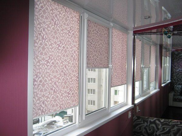 качественные рулонные шторы на балкон