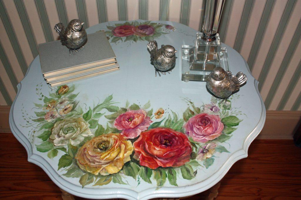 alQoomNWk8Lv53U-1024x683 Ручная роспись мебели своими руками в стиле Прованс и в русском стиле как бизнес