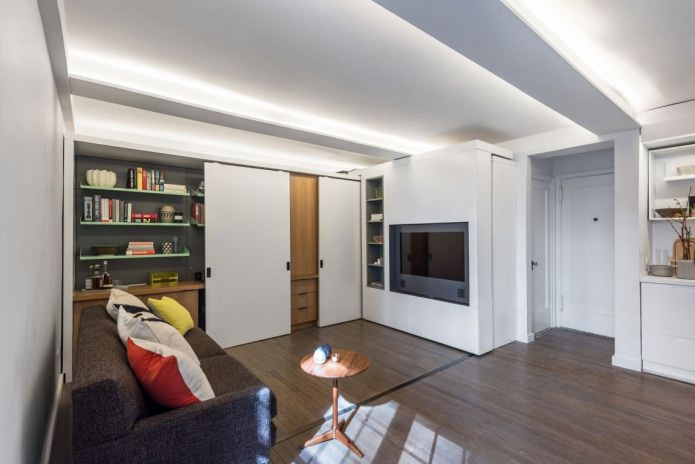 Дизайн маленькой квартиры-трансформера от MKCA