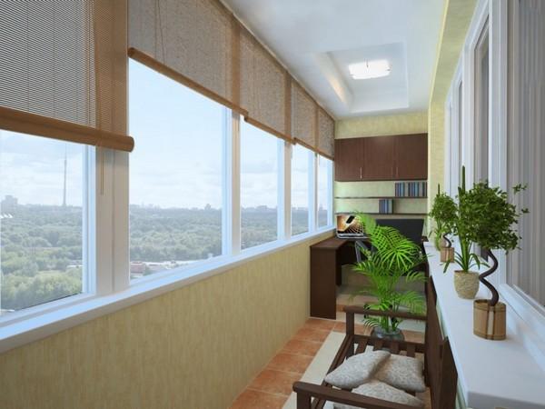 Шкаф с рабочей зоной на балконе