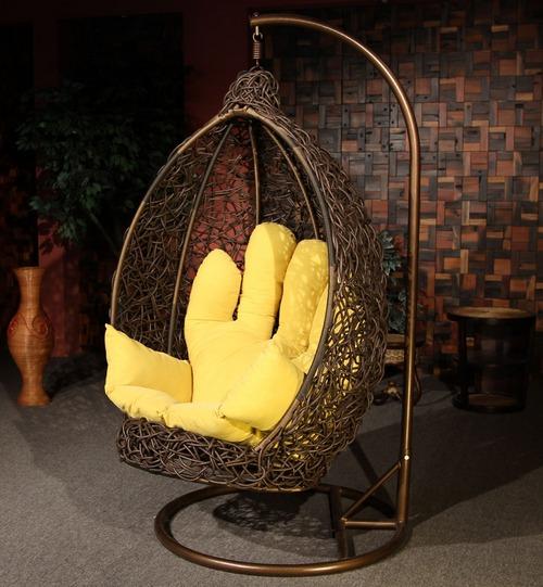 Оригинальное подвесное кресло фото